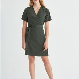 Frank And Oak Green Short Sleeve Wrap Dress Sz M